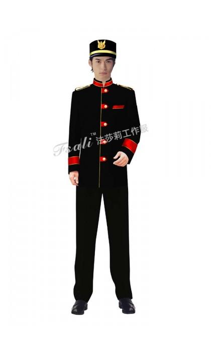 制服西服一定要合身,否则不如不穿