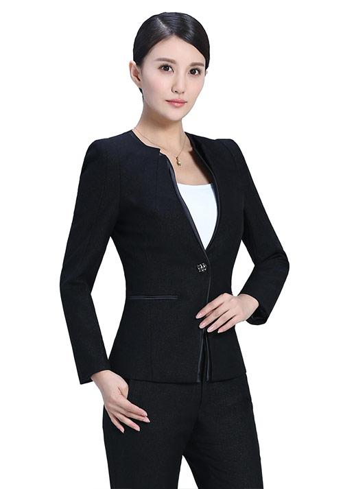 北京制服订制——职业装要根据职业选择款式、颜色