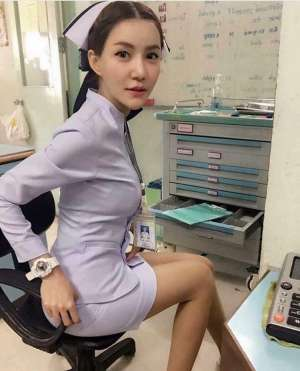 女护士因制服太性感被迫辞职,护士制服 来看看她都穿了什么