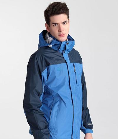 冲锋衣的防雨性和防风性怎么区分?