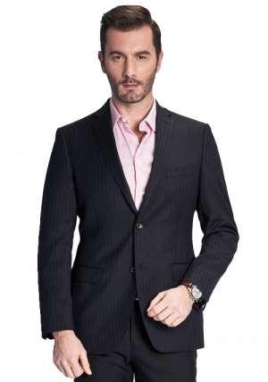 衬衫与西服搭配展现男士优雅与帅气