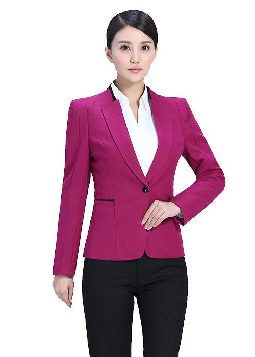 教你女士职业装穿着如何优雅得体
