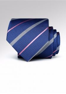打领带领结究竟能给男士带来多大魅力